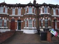 Flat to rent in Clarendon Road          ...