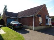 3 bed Detached Bungalow in Bracecamp Close, Ormesby...