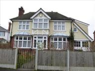 3 bed property in Keyes Avenue...