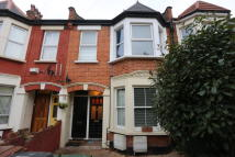 2 bedroom Ground Flat in Howard Road, Walthamstow...