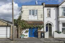 2 bedroom Ground Flat in Buxton Road, Walthamstow...