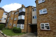 Flat to rent in Walnut Court...