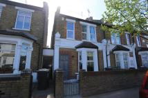 End of Terrace property to rent in Victoria Road...