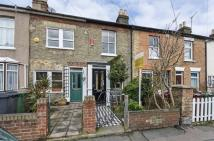 2 bed Cottage in Maynard Road...