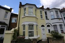 3 bedroom End of Terrace home in Brookfield Avenue...