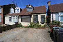 3 bedroom Bungalow in Chingford Avenue...