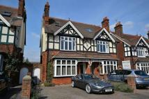 6 bedroom semi detached property in Rosebery Avenue, Linslade