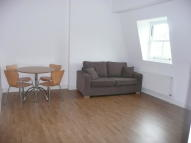 Flat in New Park Road, London