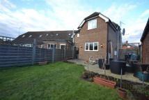 3 bed semi detached house in The Crescent, Epsom