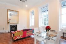 2 bedroom Apartment to rent in Royal York Crescent...