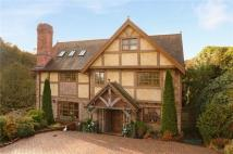 6 bedroom Detached home in Frome Glen (Off Church...