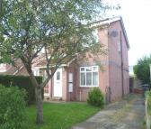 3 bed semi detached house to rent in Hunters Green...