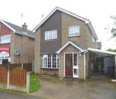 4 bedroom Detached property to rent in 27 Turnberry Way...