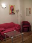 Flat to rent in Queens Court Queensway...