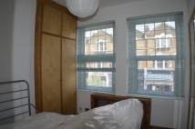 Flat to rent in Albion Parrade...