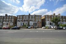 Flat to rent in Drayton Park...