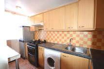 Maisonette to rent in Willow Court...