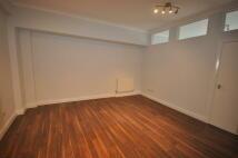 Flat to rent in Warren Court...