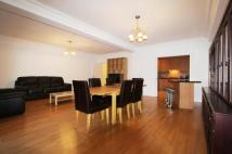 3 bedroom Flat to rent in Warwick Road, Ealing, W5