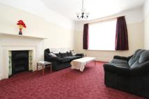 1 bed Flat to rent in Birch Grove, London, W3