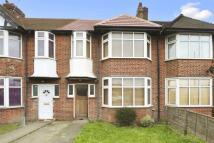 4 bed Terraced house in Western Avenue, London...