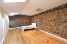 Flat to rent in London, W5