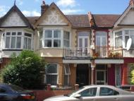2 bed Flat to rent in Howard Road, Walthamstow...