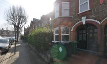 Maisonette to rent in Hibbert Road...
