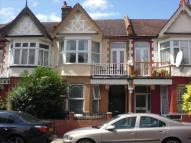 Flat to rent in Howard Road, Walthamstow...
