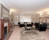 4 bed Flat in Parkwood Point...