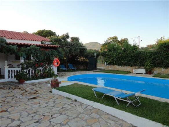 villa  2 and pool