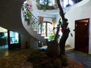 Spectacular atrium