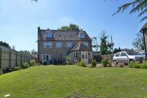 6 bedroom Detached home in Burrettgate Road...