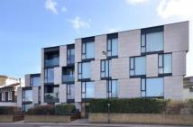 2 bed Flat to rent in Oval Road...