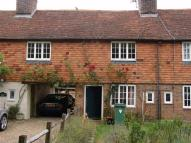 3 bedroom Cottage in High Street, Ashford
