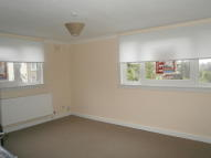 Flat to rent in Hunter Street, Airdrie...