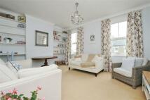 2 bed Flat in Cochrane Road, Wimbledon...