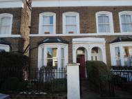 Studio apartment to rent in Mill Hill Road, Acton...