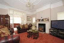 Ground Flat for sale in Drakefield Road, LONDON