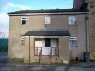 Flat to rent in Leeds Road, Huddersfield...