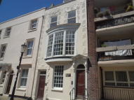 Flat to rent in St Georges Square...