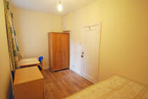 Flat Share in Hendon Way, London, NW2