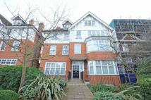 3 bedroom Flat in Lyndhurst Road, London...