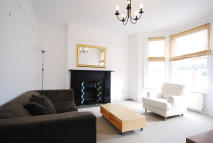 Flat to rent in Buchanan Gardens, London...