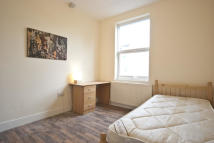 Studio flat in KILBURN HIGH ROAD...