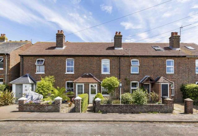 2 bedroom terraced house for sale in thorney road