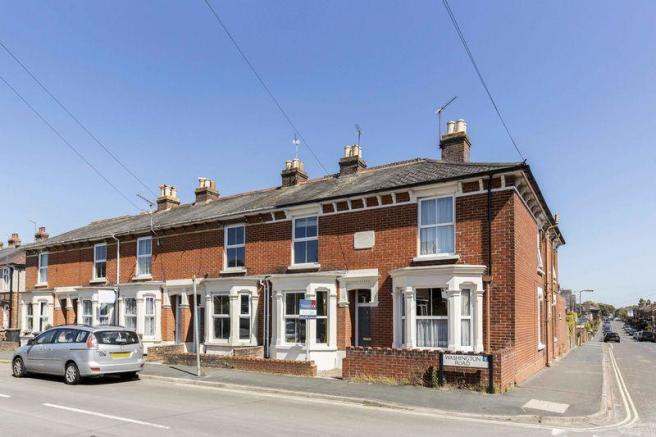 3 bedroom terraced house for sale in washington road