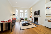 Flat for sale in Elm Park Gardens...