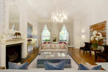 Ground Flat for sale in Cadogan Square, London...