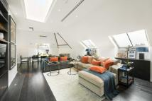 Flat for sale in Fulham Road, Chelsea